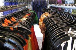 O firmă cu 1 angajat din Alba a făcut 180 mil. lei din vânzarea de îmbrăcăminte și încălțăminte