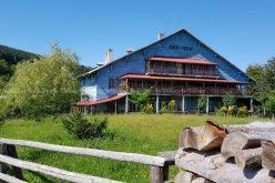 UM Cugir caută chiriași pentru o cabană în Munţii Şureanu şi un complex pe Râul Mare