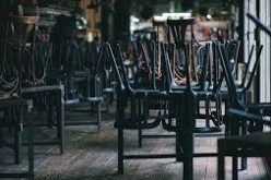 Restaurantele şi cafenelele din 4 oraşe vor funcţiona doar în exterior, cu 2 m între mese