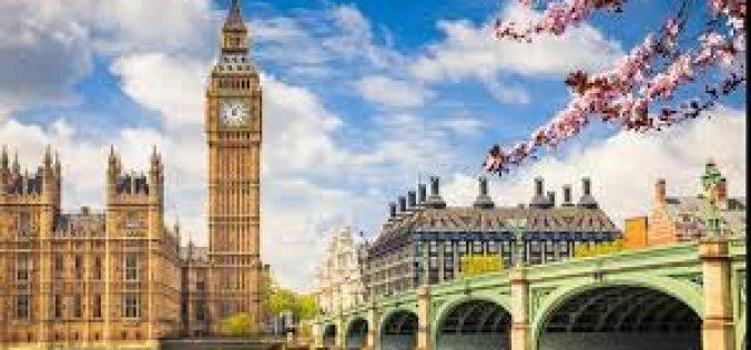 Cetăţenii UE vor intra în Marea Britanie cu paşaportul, din octombrie 2021