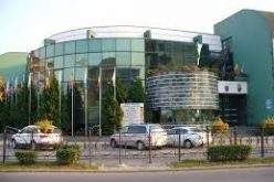 În ianuarie, Primăria Alba Iulia a încasat aproape 429.000 lei din taxarea parcărilor;banii, investiţi în amenajarea unor noi parcări